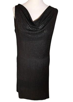 Robe noire asymétrique en bas