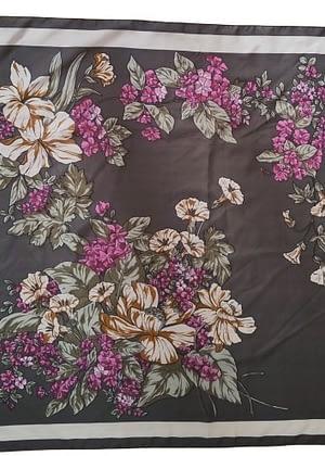 Foulard kaki à fleurs