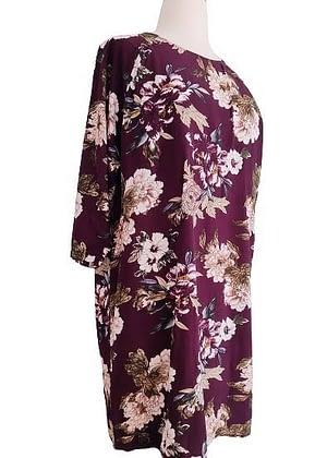 Robe bordeaux à fleurs
