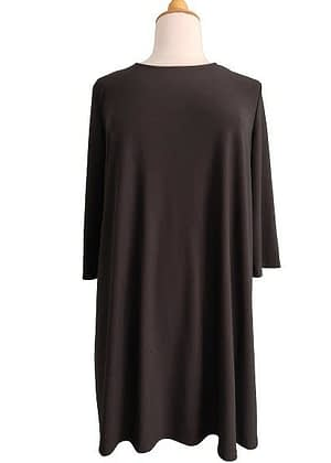 Robe noire fluide et extensible
