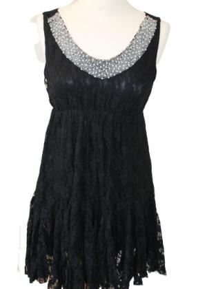 Robe noire dentelle et perles Molly Braken